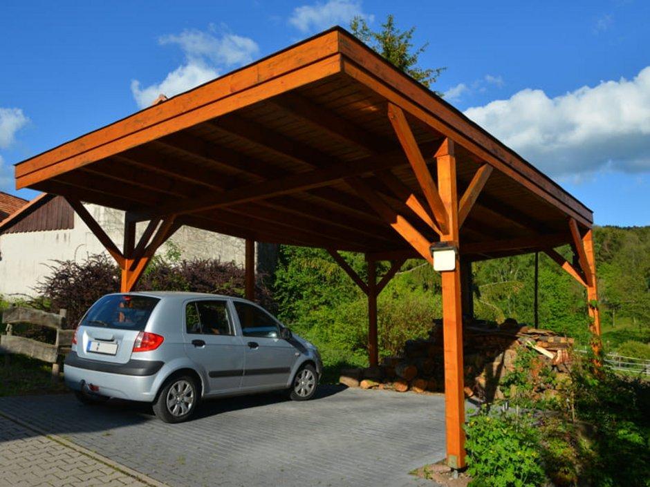 Carport selber bauen, Carport aus Holz, Foto: Herrmann / stock.adobe.com