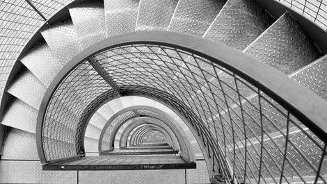Treppen, Stahltreppe, Foto: ToGoPhoto / stock.adobe.com
