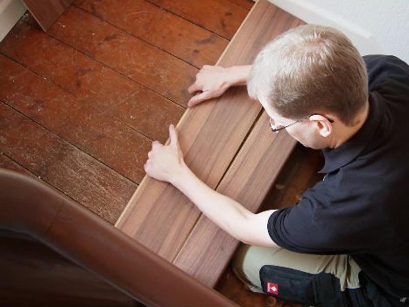 Turbo ▷ Alte Stufen renovieren ▷ Laminat auf Treppen verlegen - bauen.de ED14
