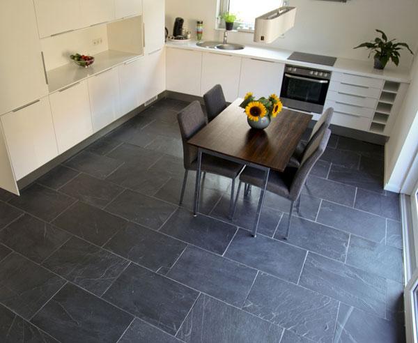 natursteinboden edel und fast unverw stlich. Black Bedroom Furniture Sets. Home Design Ideas