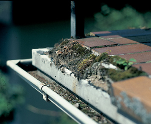 balkonentw sserung h lt den balkon in schuss. Black Bedroom Furniture Sets. Home Design Ideas