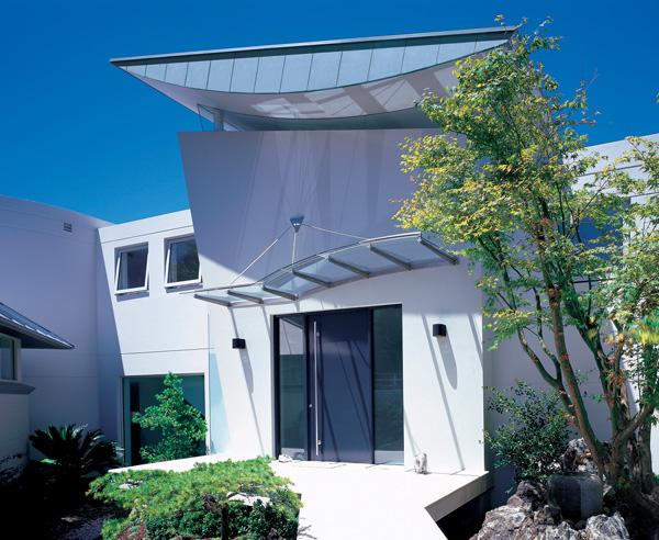 Dachüberstand: Schutz vor Wind und Wetter - bauen.de