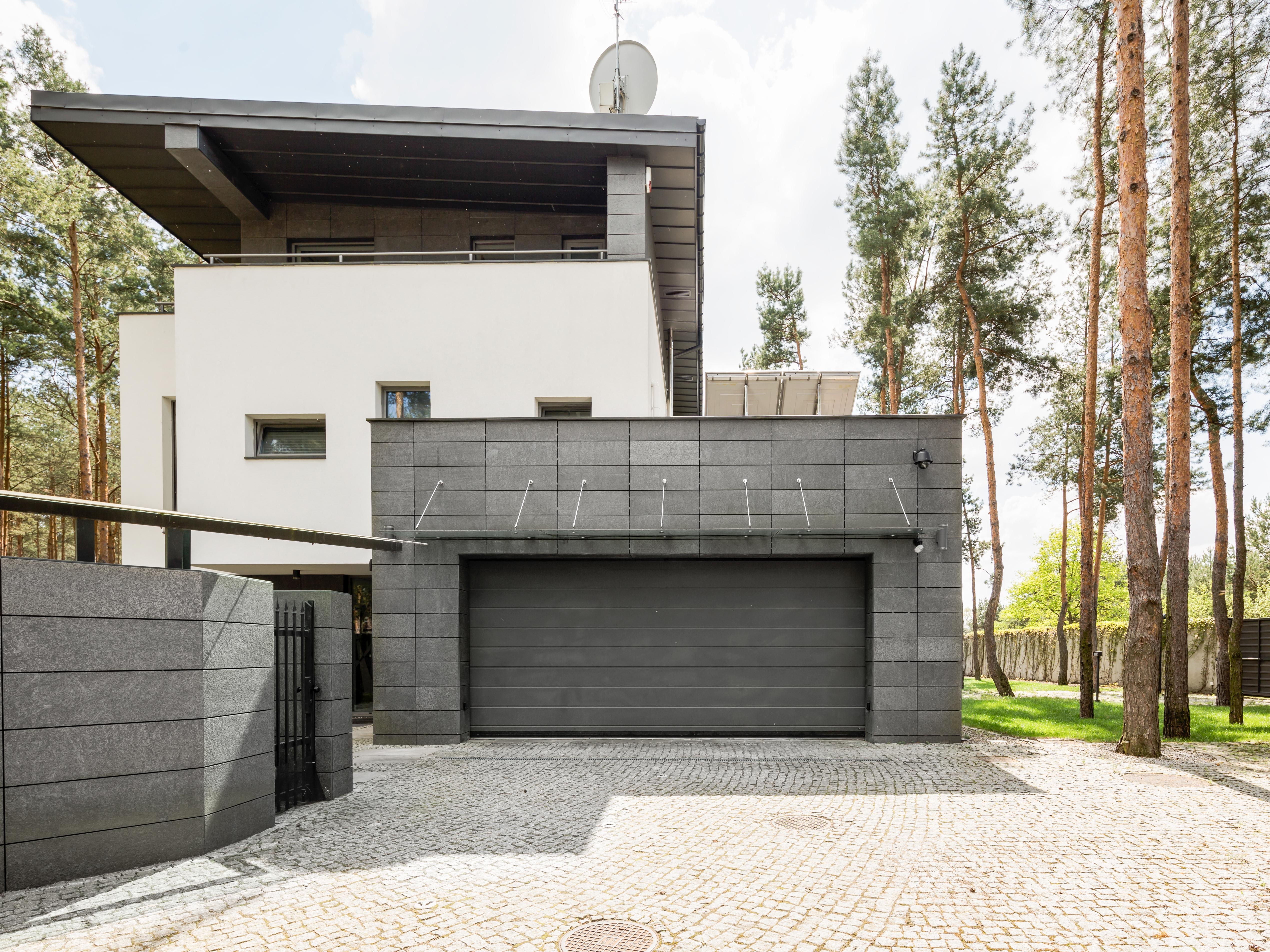 Relativ Garage - aus Beton, Alu, Holz und Stein - bauen.de ZF63