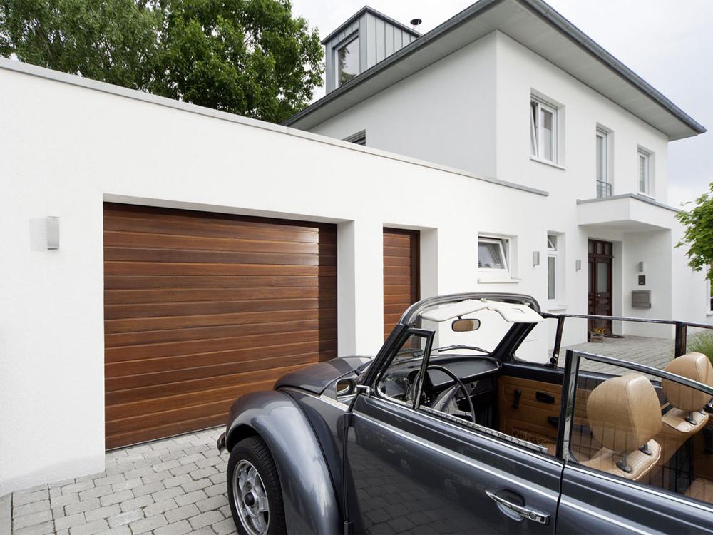 Garagentore Infos Zu Rolltor Und Sektionaltor Bauen De