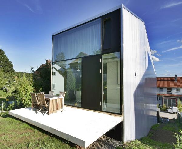 ab in die h he schmales haus in der baul cke. Black Bedroom Furniture Sets. Home Design Ideas